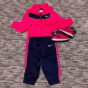 Nike Toddler Track Suit W/ Sneakers
